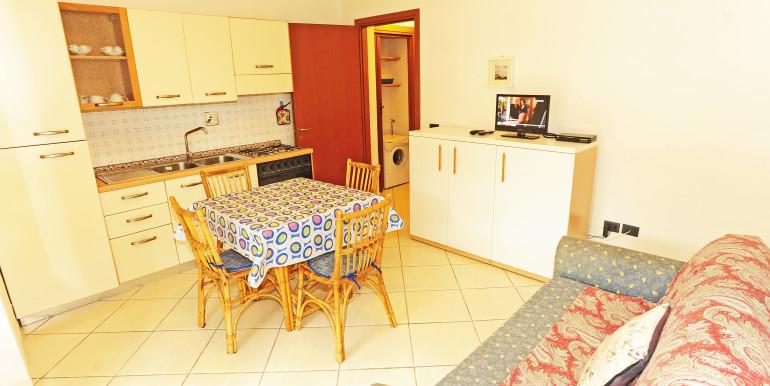 Cucina-soggiorno 2 (2)
